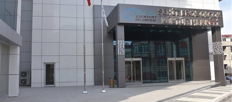 Şehit Erol Olçuk Kültür Merkezi afi�