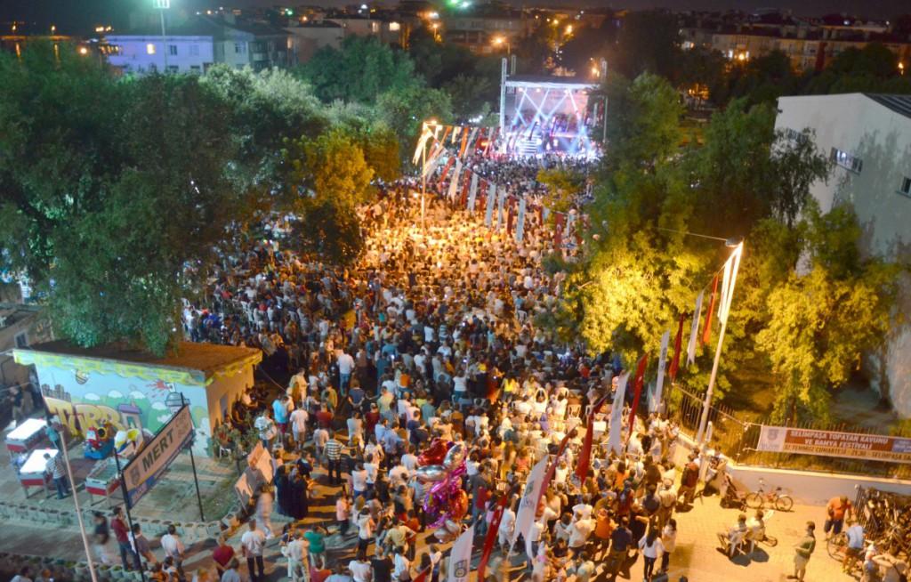 Silivri Belediyesi Festival Sahnesi afi�