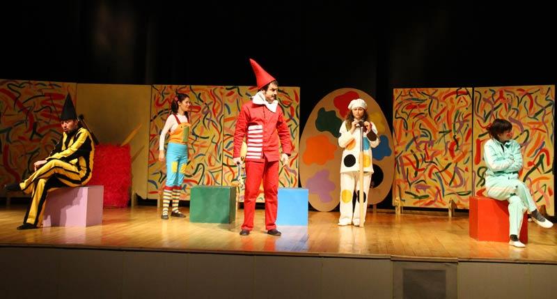 Renkler Ülkesi Tiyatro