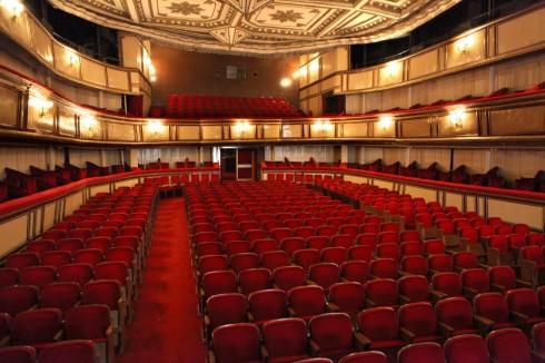 Ses 1885 Ortaoyuncular Tiyatrosu afi�